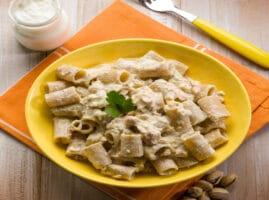 Como-hacer-macarrones-pasta-con-atun-y-crema-