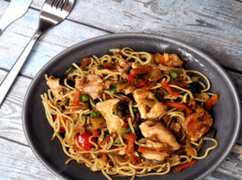 recetas-con-sopa-de-fideo-con-pollo-y-verduras