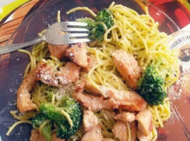 Espagueti-verde-con-pollo